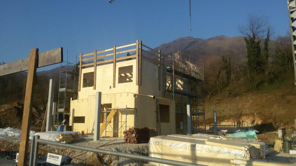 in-legno-casa-di-legno-case-prefabbricate-prefabbricata-prefabbricati-costi-prezzi-passiva-classe-oro-passive-progettazione-progetti-architetto-studio-architettura-3