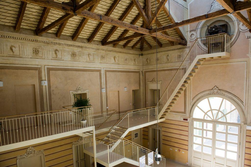 Illuminazione Facciate Edifici Storici: Colosseo. Progetto colore di bricovernici servizio ...