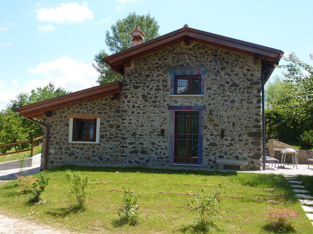 Casa in collina in legno a chiuppano vicenza for Progetto casa ristrutturazione
