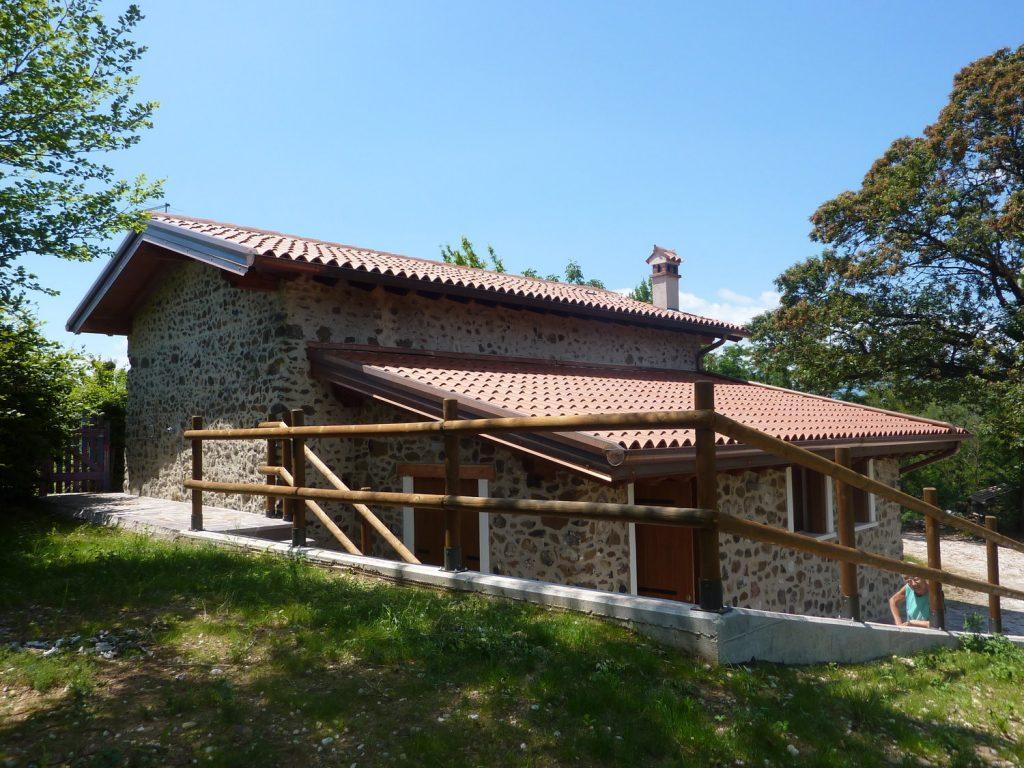 Interesting casa in collina in legno a chiuppano vicenza for Budget piani casa intelligente