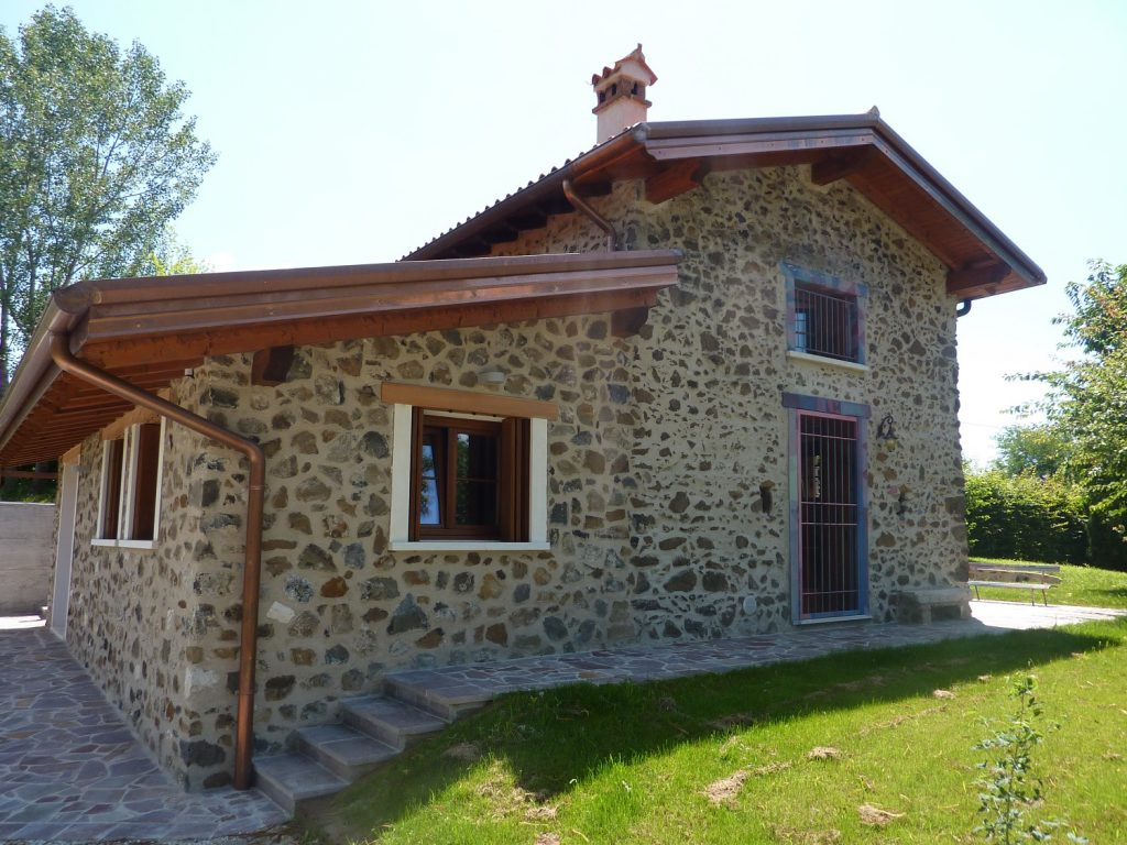 Casa in collina in legno a chiuppano vicenza for Progetto di una casa