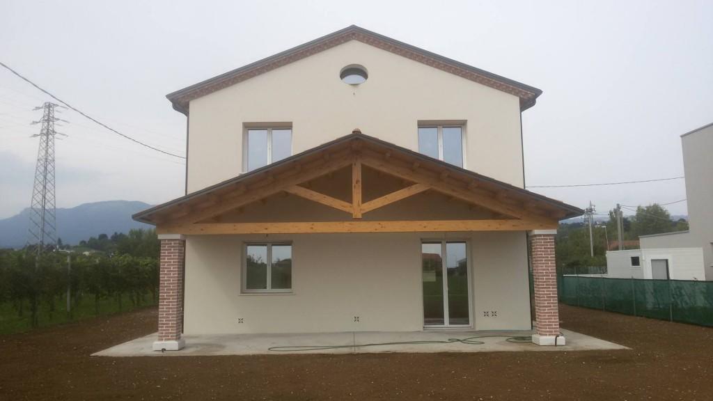 Case in legno vicenza case passive ristrutturazioni for Casa unifamiliare tradizionale